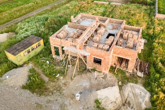 Luchtfoto van de bouwplaats voor toekomstige huis
