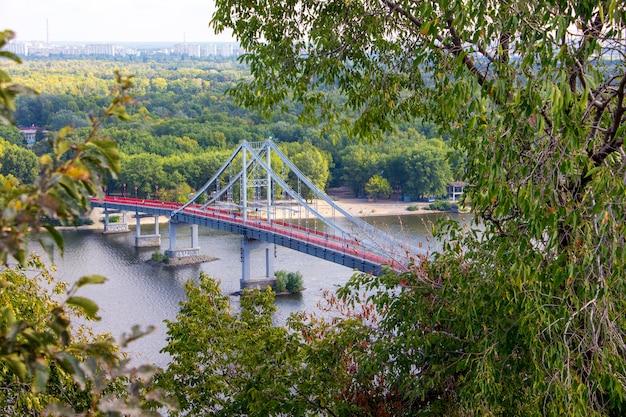 Luchtfoto van de brug van kiev
