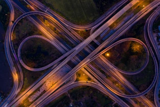 Luchtfoto van de infrastructuur van een stad