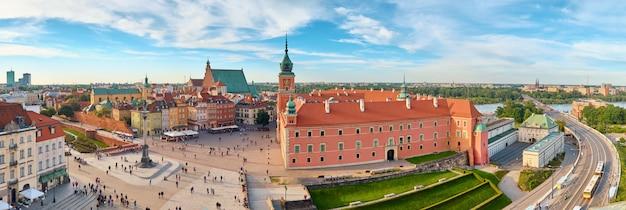 Luchtfoto van de oude stad in warschau, polen
