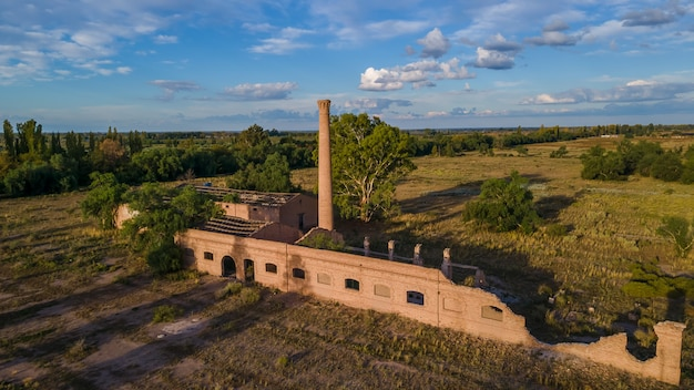Luchtfoto van de oude wijnmakerij verwoest vanaf 1906