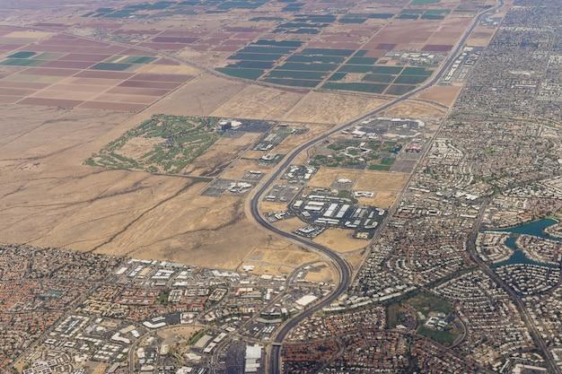 Luchtfoto van de skyline van de binnenstad van phoenix, arizona, kijkend naar het noordoosten op ons
