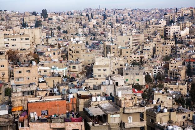 Luchtfoto van de stad amman, de hoofdstad van jordanië