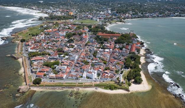 Luchtfoto van de stad galle, sri lanka
