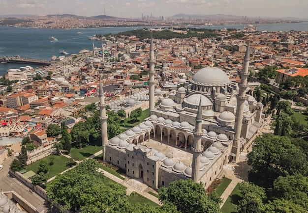 Luchtfoto van de suleymaniye-moskee in istanbul