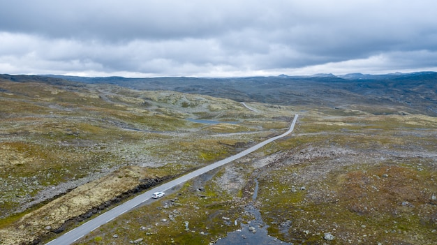 Luchtfoto van de weg in noorwegen