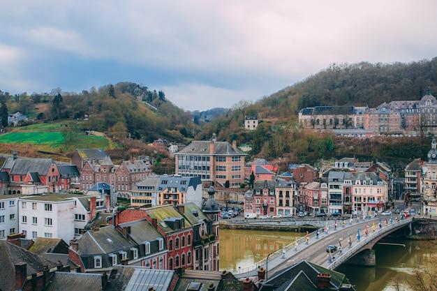 Luchtfoto van dinant belgië