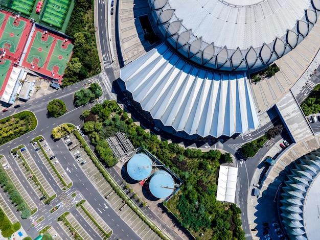 Luchtfoto van een voetbalstadion in een stad in china