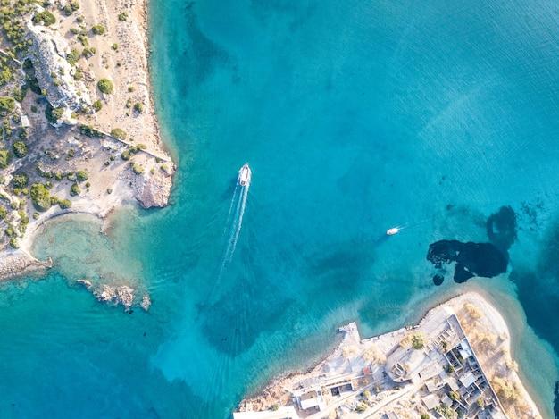 Luchtfoto van een zee
