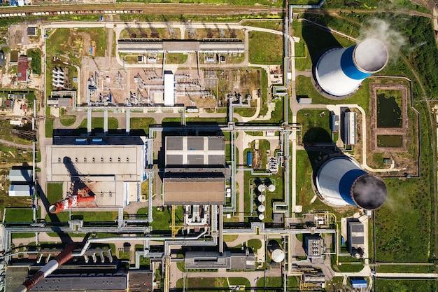 Luchtfoto van elektriciteitscentrale