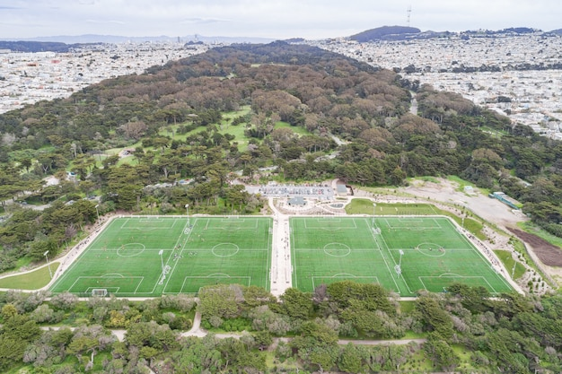 Luchtfoto van het voetbalveld