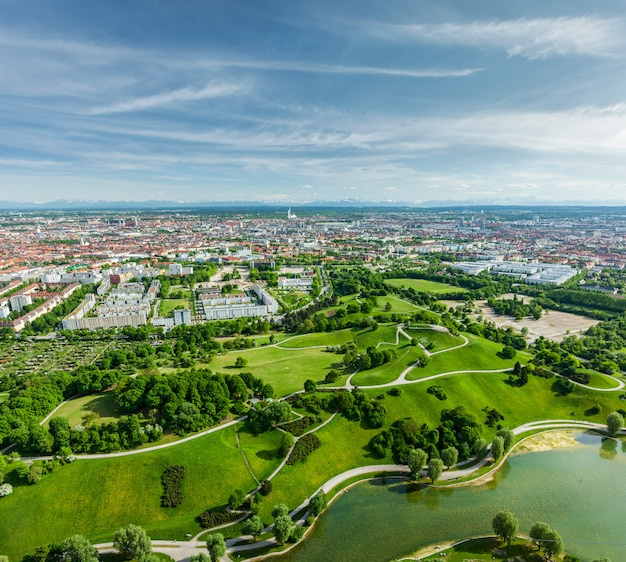 Luchtfoto van olympiapark. münchen, beieren, duitsland