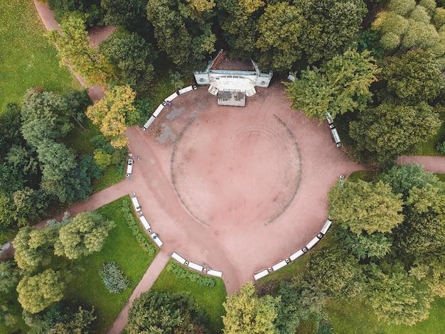 Luchtfoto vogelperspectief foto van park genomen door drone, flatley, st. petersburg, rusland.