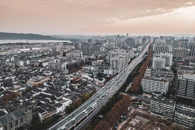 Luchtfotografie van het stedelijk architecturaal landschap van hangzhou