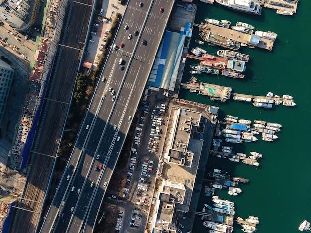 Luchtfotografie van schepen in de haven van qingdao
