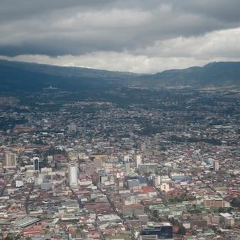 Luchtmening van het landschap van costa rica