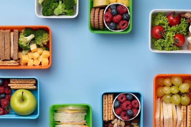 Lunchboxen voor gezonde voeding met kopieerruimte