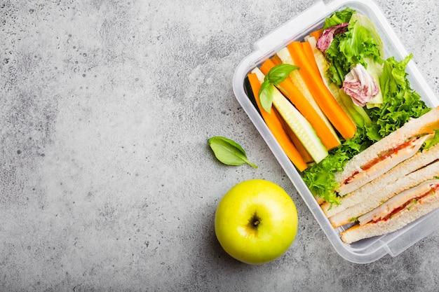 Lunchdoos met gezond voedsel