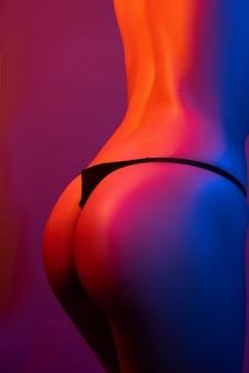 Luxe kont enorme kont met seksuele vormen grote kont erotica ronde billen ideale dames fitness kont en ...