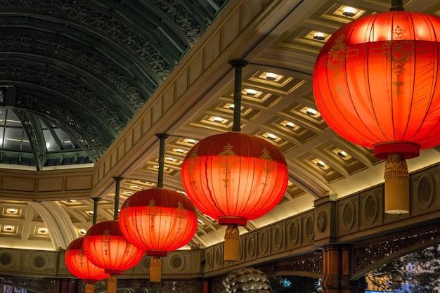 Luxe lamp in las vegas hotel gelegen aan de las vegas strip in nevada.