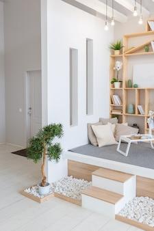 Luxe modieus modern design studio appartement met een vrije indeling in een minimalistische stijl.