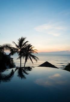 Luxe resort met villa met zwembad