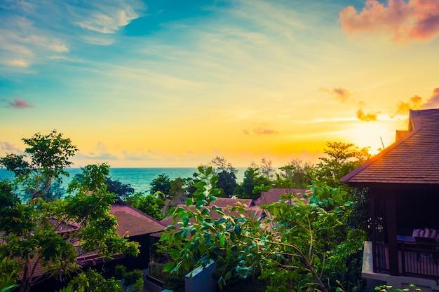 Luxe terras met uitzicht op zee levensstijl