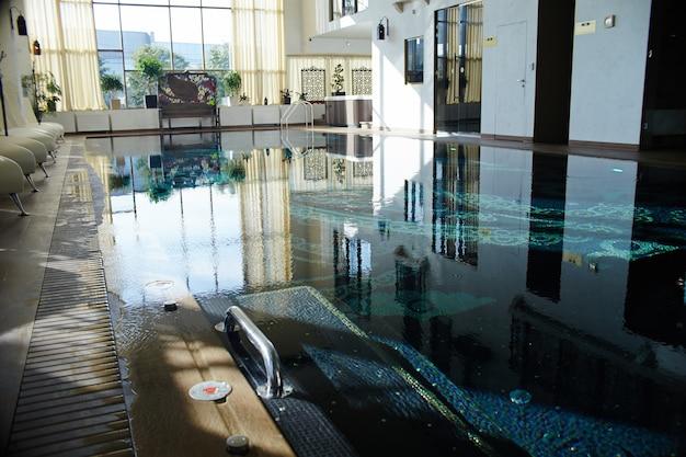 Luxe zwembad interieur