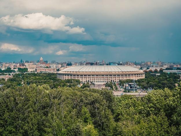 Luzhniki sportcomplex in moskou. luchtfoto Premium Foto