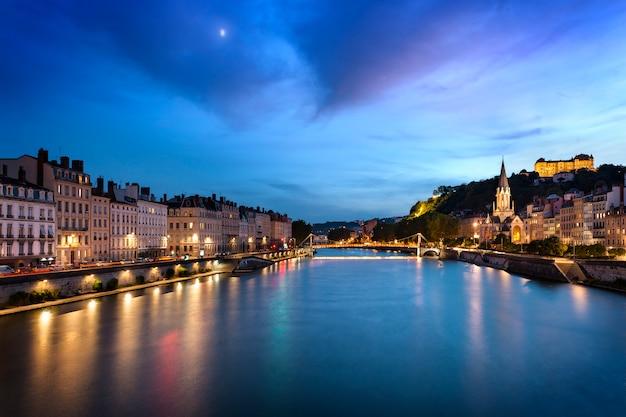 Lyon blauw uur