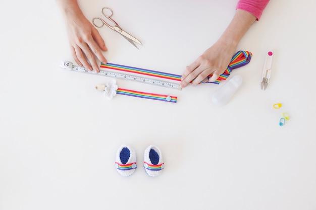 Maak zelfgemaakte babyslofjes voor baby's