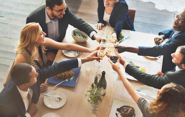 Maaltijd food party vier cafe restaurant evenement concept
