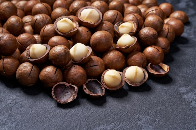 Macadamia noten op zwarte lijst, selectieve nadruk.