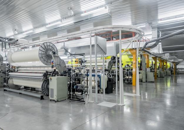 Machine en apparatuur in de weverij een algemeen overzicht industriële textielfabriek