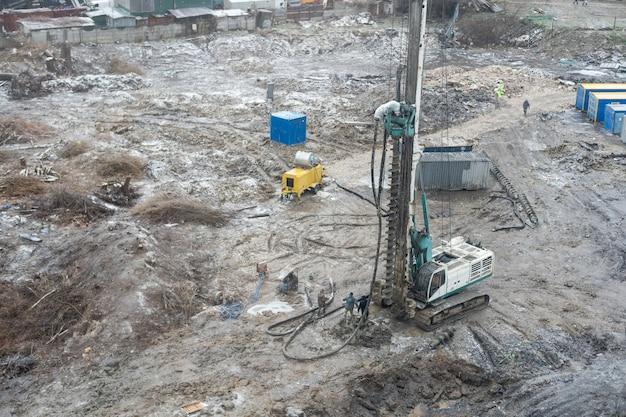 Machine voor het boren van gaten in de grond