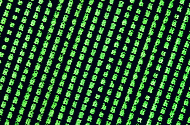 Macro-opname van een glitch op de monitor van een kantoorcomputer