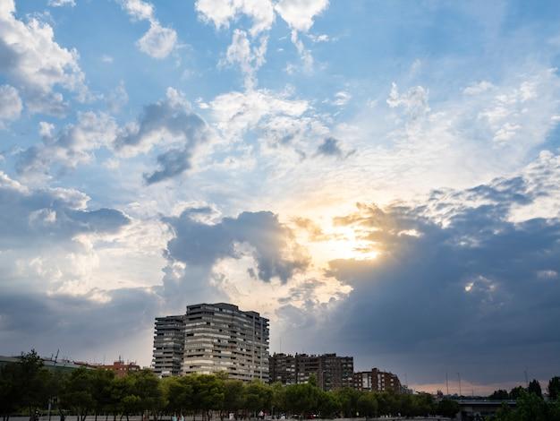 Madrid, spanje: zonsondergang, zonsondergang in madrid