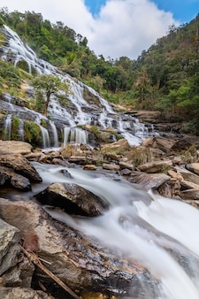 Mae ya-waterval in het nationale park doi inthanon