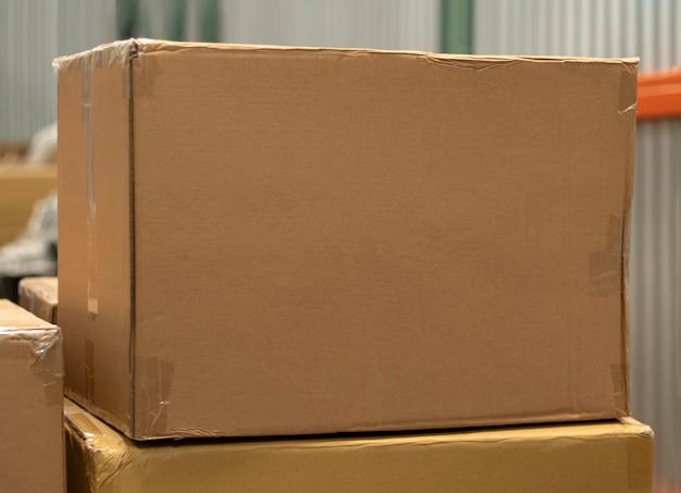 Magazijn. doos in magazijn. transportdoos. groothandelverkoop, groothandelbenodigdheden voor bedrijven