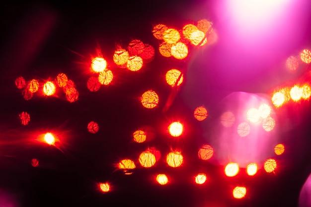 Magenta flitsen op lichtvlekken
