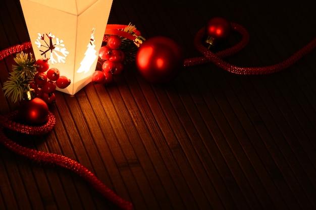 Magisch arrangement van kerstdecor