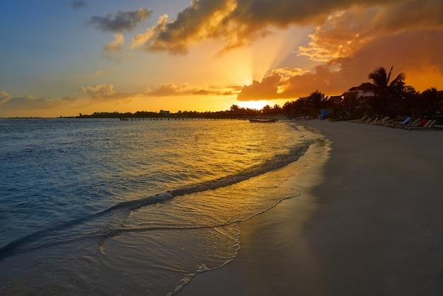 Mahahual caribisch strand in costa maya
