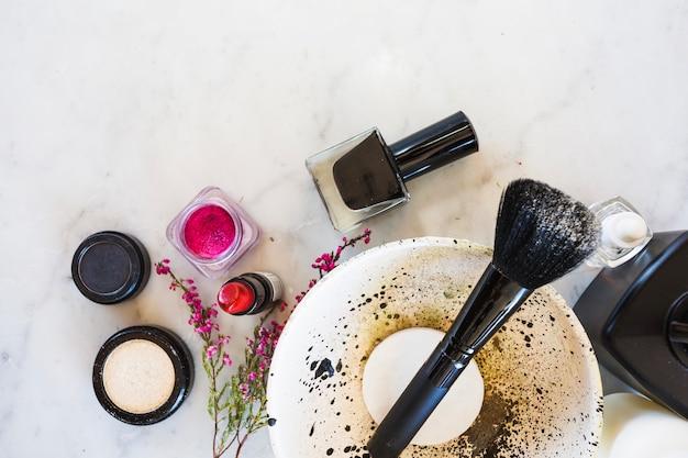 Make-up benodigdheden rond kom