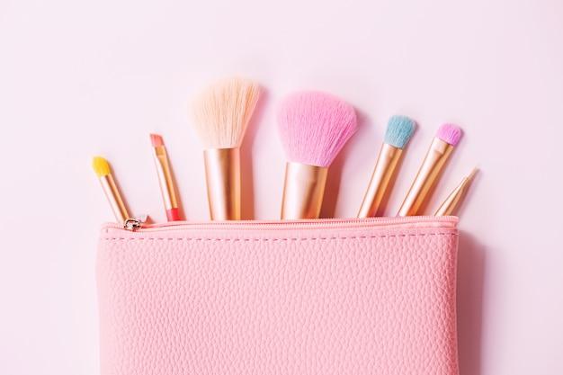 Make-up borstels met poeder
