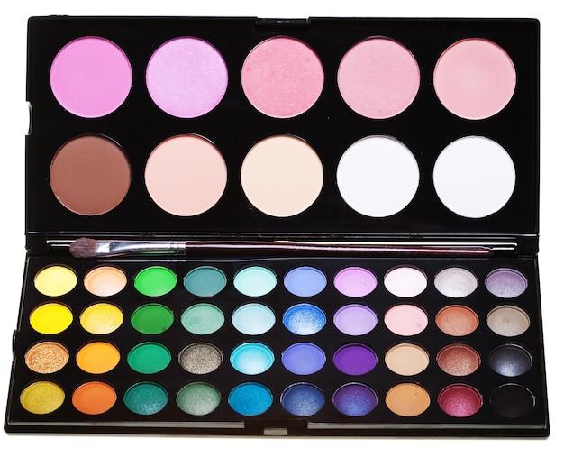 Make-up collectie op witte achtergrond