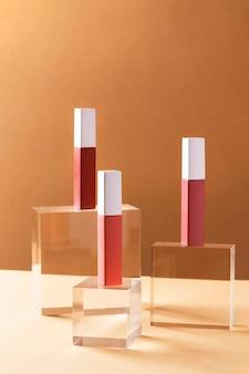 Make-up concept met lippenstift arrangement