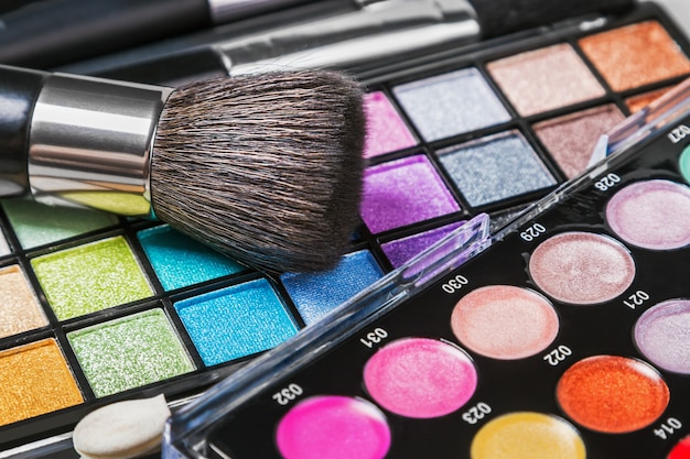 Make-up kleurrijke oogschaduwpaletten
