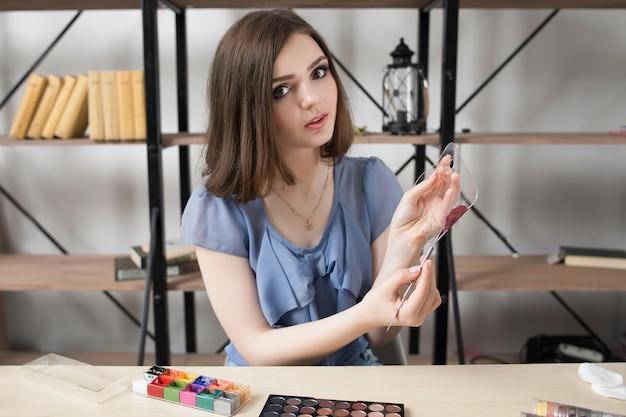 Make-up schoonheidstheater visagiste cosmetica-transformatie