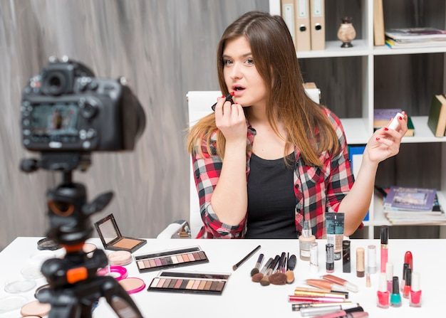 Make-up vlogger