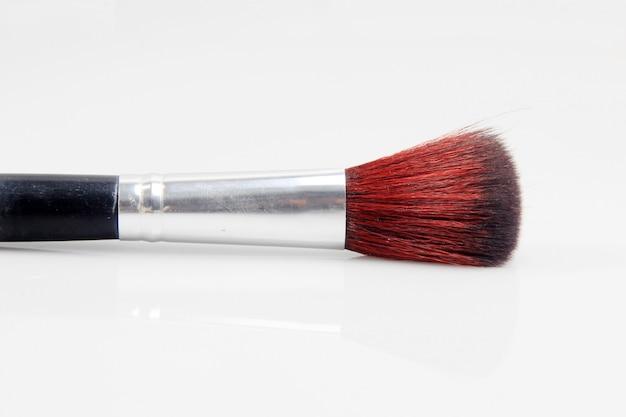 Make-upborstels met een witte achtergrond
